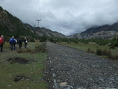 100.9.20尼泊爾登山健行:20-11-8-2公路鋪設.JPG