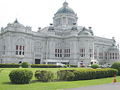 970517-22泰國自助行之曼谷大理石佛寺和附近景點:IMG_2065曼谷國會大廈.JPG